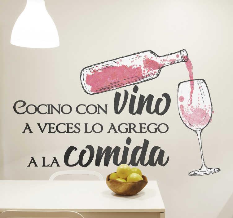 """TenVinilo. Vinilo frase pared cocino con vino y lo bebo. Vinilo frase pared para cocina con botella y texto """"cocino con vino y a veces lo agrego a la comida"""" perfecto para una cocina original. Fácil colocar"""