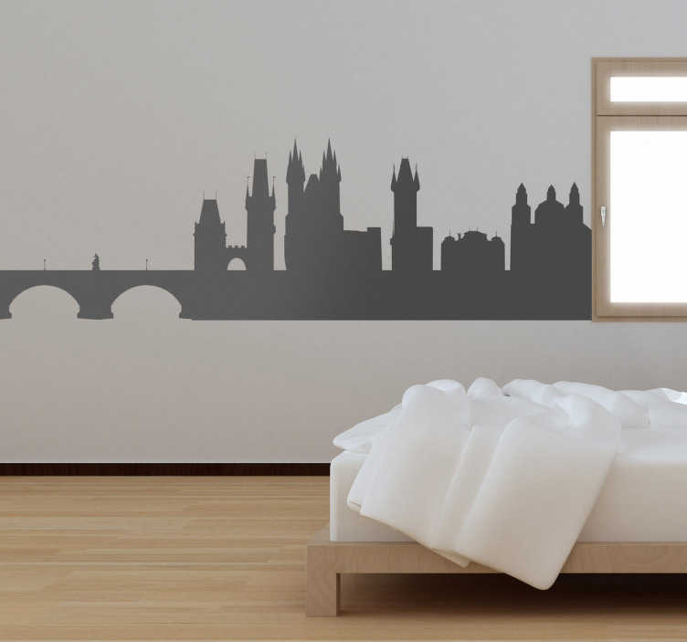 TenStickers. Naklejka panorama Praga. Naklejka przedstawiająca panoramę stolicy i największego miasta Czech. Szybki sposób na dekorację pustych ścian w sypialni, czy też w innym pokoju.