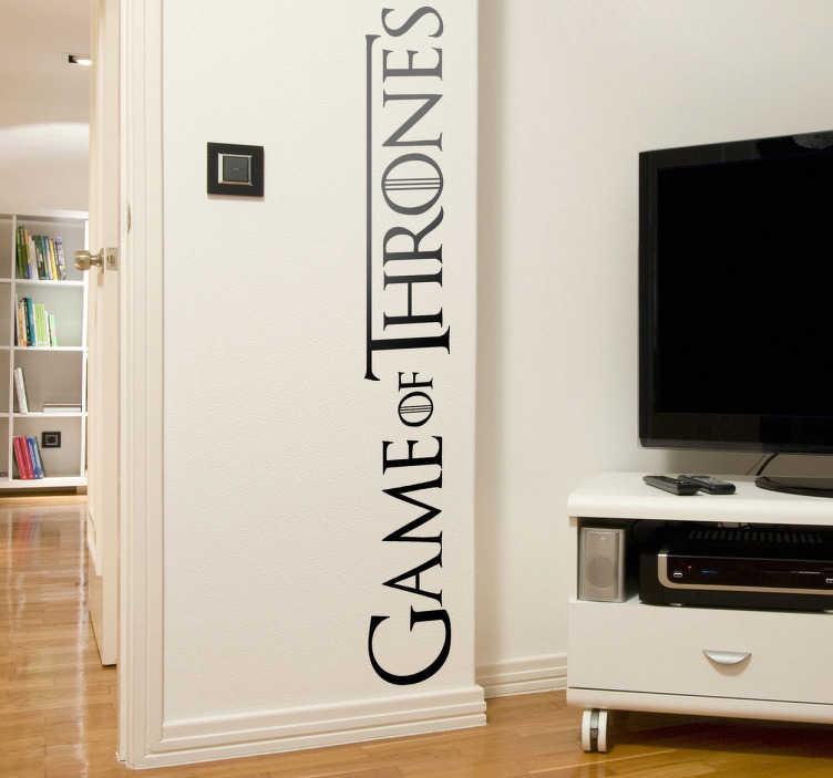 TenVinilo. Vinilo decorativo logo juego tronos. Logotipo de una de las series más seguidas, producción estelar de la cadena privada americana HBO. Si eres fan demuéstralo decorando tu casa con este adhesivo.