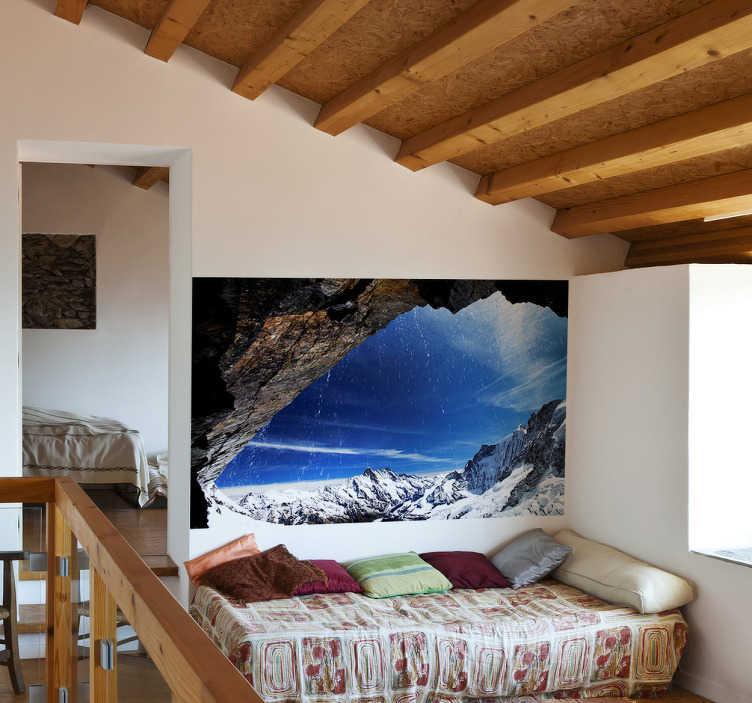 TenStickers. Muursticker Uitzicht Gebergte met Sneeuw. Deze muursticker die een gebergte met sneeuw illustreert kan uw woonkamer of slaapkamer een geheel andere uitstraling geven. +10.000 tevreden klanten.