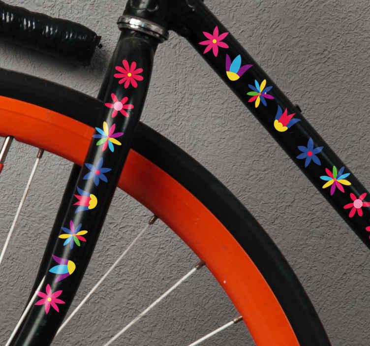 TenStickers. Autocollant vélo Fleurs sauvages. Incroyable sticker pour vélo fleurs composé de jolies impressions multicolores d'imprimés de fleurs sauvages. Il est disponible dans toutes les tailles.