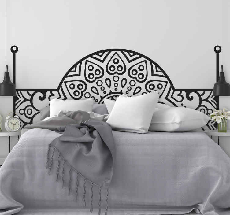 TenVinilo. Vinilo cabecero cama de dormitorio estilo árabe. Vinilo para cabezal dormitorio ornamental para tu dormitorio con estilo típico originado en árabe. Elige tamaño ¡Envío a domicilio!