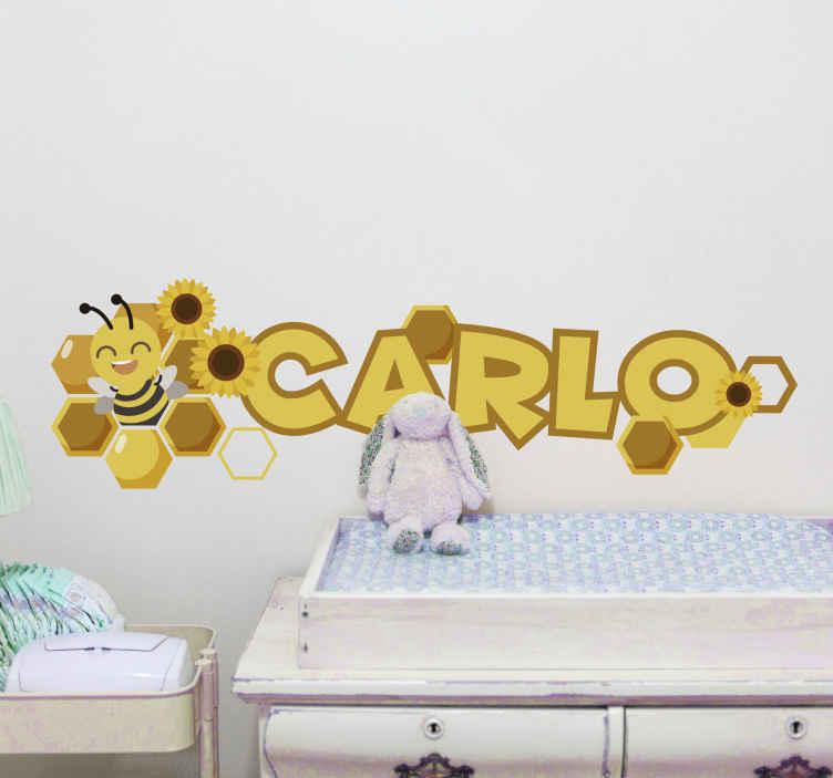 TENSTICKERS. 名前付き蜂の子供の寝室の壁のステッカーが付いている花. あなたの子供は昆虫が好きですか?特にハチ?これは、寝室の装飾として子供を感動させる、パーソナライズ可能な名前の壁のアートデカールが付いている蜂です。
