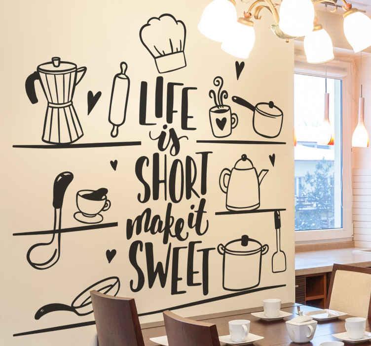 TENSTICKERS. 愛のカトラリーデカールの棚. 棚にぶら下がっているさまざまな調理器具を備えたキッチンスペースの素晴らしい料理の壁アート装飾。色はカスタマイズ可能です。