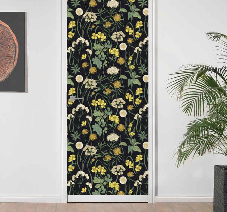 TenVinilo. Vinilo muebles patrón floral fondo negro. Cubra la superficie de los muebles con nuestro vinilo muebles de flores de alta calidad. Elige las medidas que necesites ¡Envío a domicilio!