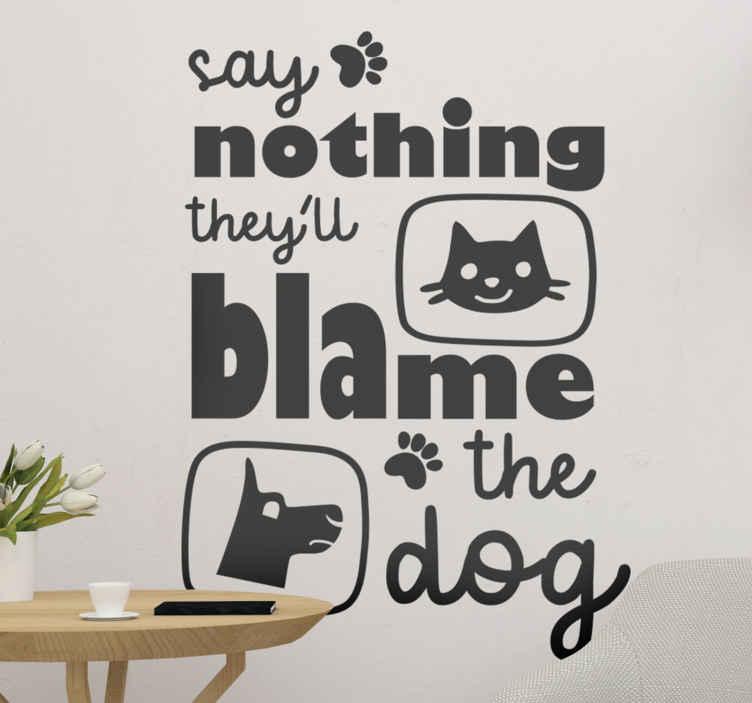 TENSTICKERS. 面白い猫と犬のテキスト壁デカール. 犬、猫、足のプリントが入った面白いテキストでデザインされたオリジナルの家の壁のステッカーを購入してください。さまざまな色のオプションが用意されています。