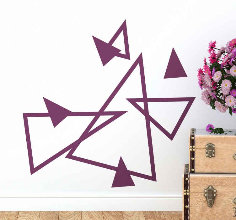TenStickers. Geometrische driehoek figuur muursticker . Eenvoudige geometrische verschillende driehoek sticker om elk vlak oppervlak te versieren. Het komt in verschillende kleur en grootte opties en het is gemakkelijk aan te brengen.