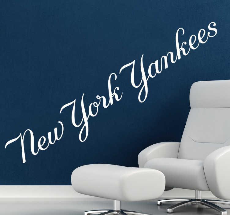 """TenVinilo. Vinilo logo caligráfico New York Yankees. Letras Adhesivo de """"Los Bombarderos del Bronx"""", célebre equipo de béisbol americano con sede en Nueva York. Para hinchas de este deporte."""