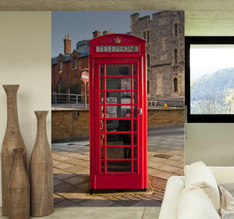 Tenstickers. Brittiska telefonlåda väggmålning klistermärke. Den röda telefonlådan är en universellt och världsomspännande känd symbol. Varför ska du inte dekorera ditt hem med en så cool fotoväggsinredning?