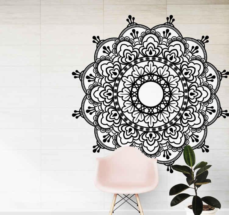 TenStickers. Autocolantes com padrões florais Mandala preto e branco boêmio. autocolante decorativo mandala ornamental com um toque boêmio. Um produtoem preto e branco para decorar seu espaço com um toque elegante.
