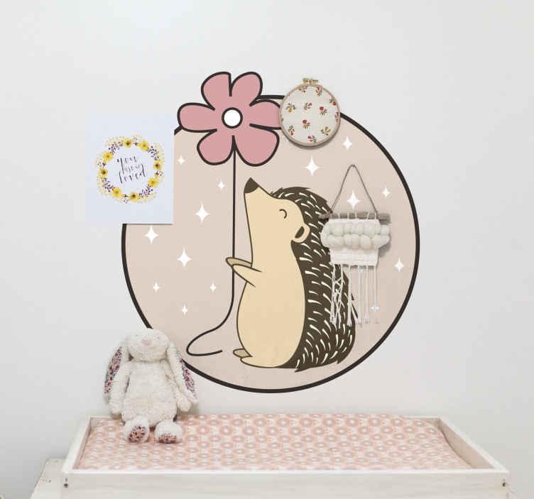 TenVinilo. Vinilo para niñas puercoespín en círculo con flor. Decora la habitación de tu hija con este vinilo decorativo para niñas con puercoespín dentro de círculo de color rosa y margarita ¡Compra online!