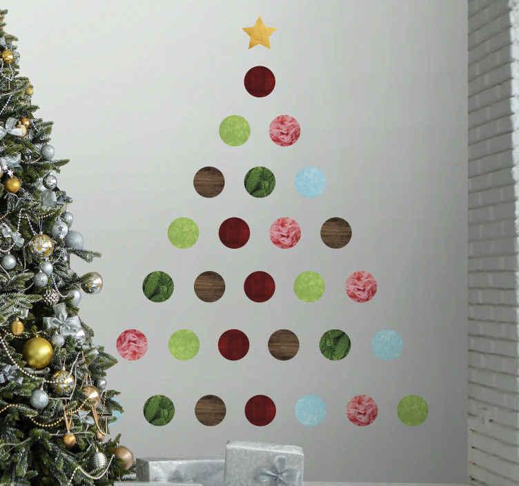 TenVinilo. Vinilo navideño bolitas formando árbol. Vinilo de navidad de bolitas de diferentes colores formando un árbol con una estrella arriba del todo. Elige medidas ¡Envío a domicilio!