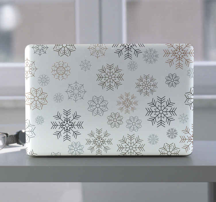 TENSTICKERS. 雪片のパターンのラップトップのデカール. 雪片は、あらゆるラップトップデバイスのラップトップステッカーデザインをパターン化します。デザインは、雪の降雪を示す装飾的な雪片のパターンデザインです。