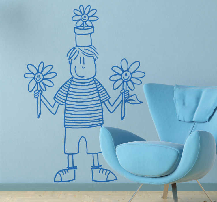 TenStickers. Naklejka chłopiec wiosna. Naklejka na ścianę zrealizowana przez artystkę DEIA. Rysunek przedstawia chłopca w pasiastej koszulce trzymającego kwiaty oraz z doniczką na głowie.
