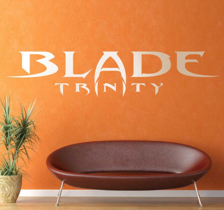 TenVinilo. Vinilo decorativo Blade Trinity. Adhesivo decorativo del logo de esta popular saga de películas sobre vampiros protagonizada por Wesley Snipes.