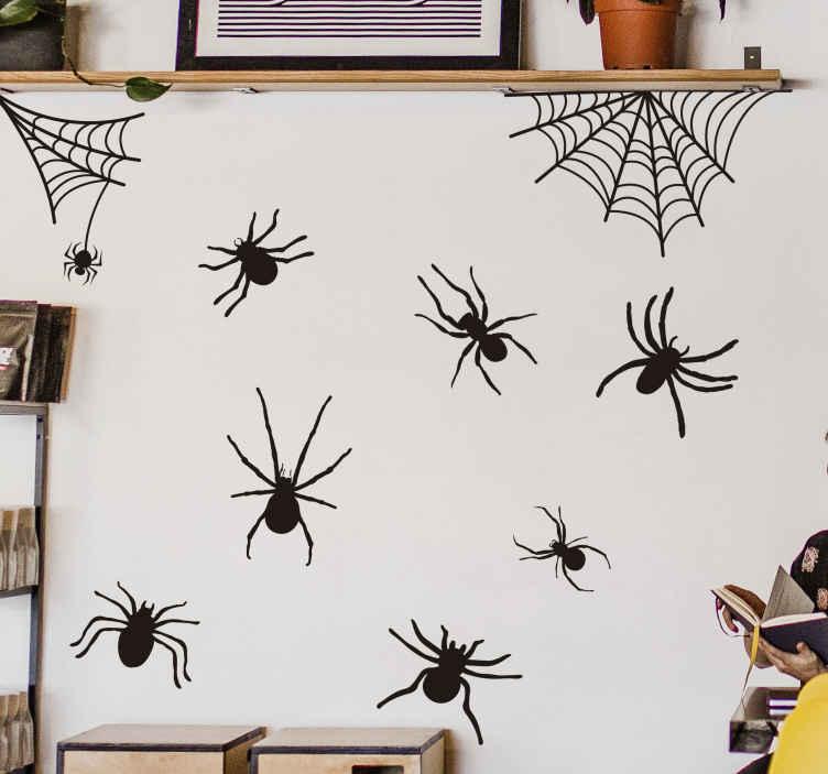 TENSTICKERS. ハロウィンクモとクモの巣ハロウィンウォールステッカー. ハロウィン用のスペースを飾るハロウィンフェスティバルステッカー。デザインはクモとクモの巣のコレクションです。異なる色でご利用いただけます。