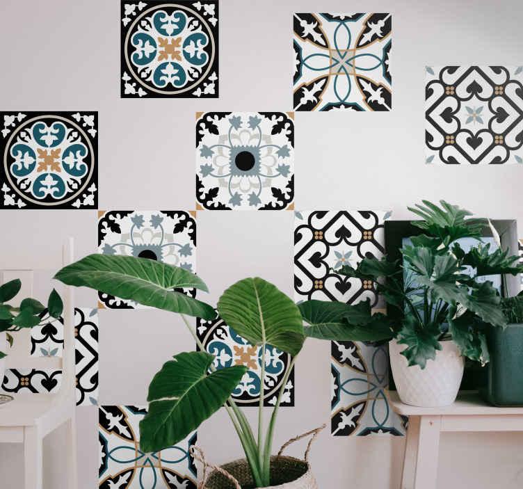 TenStickers. Adesivos azulejos Padrão português azul e preto. à procura de por um vinil autocolante decorativo de azulejo de parede único, mas clássico, para um casa de banhoou cozinha? O nosso autocolante com azulejos portugueses com padrão azul e preto cobre-o.