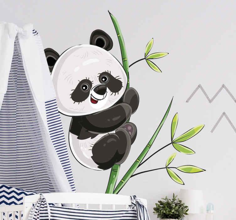 TenStickers. Autocolantes decorativos de ilustrações Escalando panda. autocolante decorativo ilustrativo de panda subindo em uma árvore. Um produtopara o espaço do quarto das crianças. é fácil de aplicar e é de vinil de alta qualidade.