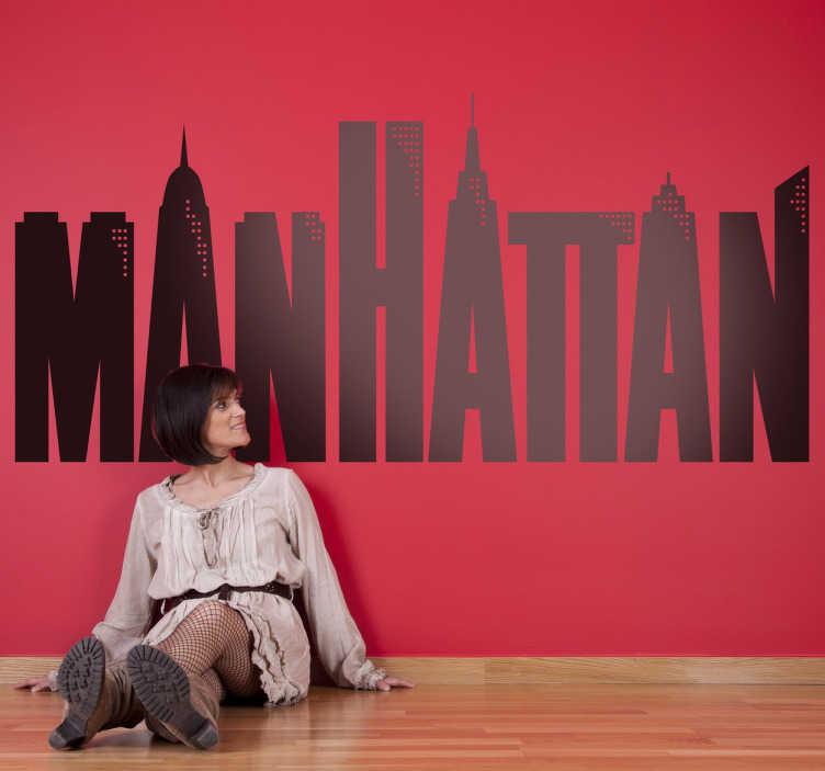TenVinilo. Vinilo decorativo Manhattan Woody Allen. Adhesivo donde se fusionan la tipografía y el Skyline de Nueva York, diseño original para la famosa película de Woody Allen. Un clásico en vinilo decorativo.