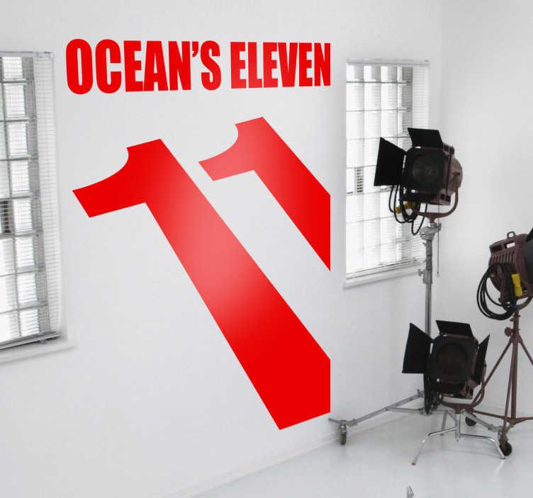 TenVinilo. Vinilo decorativo Ocean's Eleven. Adhesivo de la película protagonizada por Brad Pitt, George Clooney y Julia Roberts entre tantos otros. Un film sobre ladrones de casinos basada en una versión anterior de Frank Sinatra y compañía.