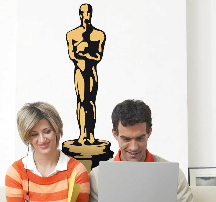 """TenStickers. Naklejka dekoracyjna w kolorze Oscar. """"And the Oscar goes to..."""" Zdobądź naklejkę przedstawiającą sławnego Oscara - coroczną nagrodę przyznawaną przez Amerykańską Akademię Sztuki i Wiedzy filmowej."""