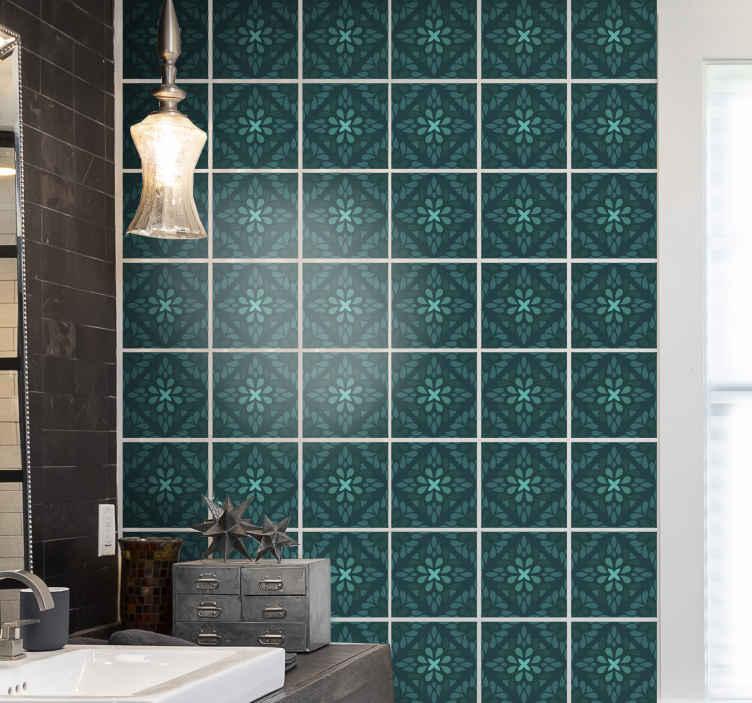 TenStickers. Geometrisk smaragd fliser overførings mærkat. Geometrisk mønstret smaragdfliser klistermærke til dit badeværelse, soveværelse, stue og endda køkkenvægsdekoration. Let at anvende og af høj kvalitet.