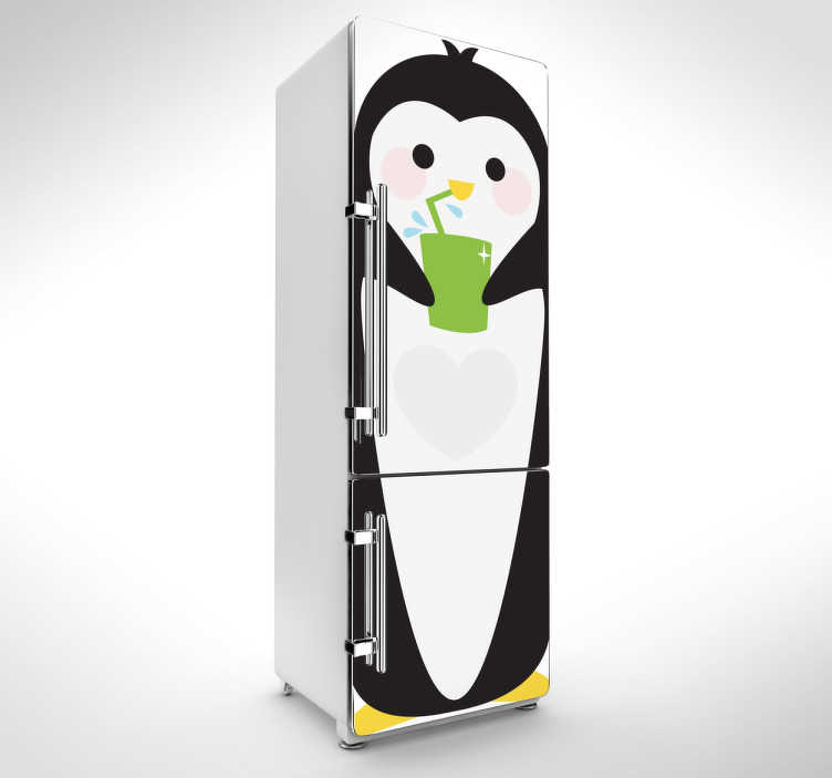 TenVinilo. Vinilo decorativo pingüino congelador. Fantástico vinilo decorativo para nevera en la que se representa un gracioso pingüino friolero. Ideal para tu frigorífico.