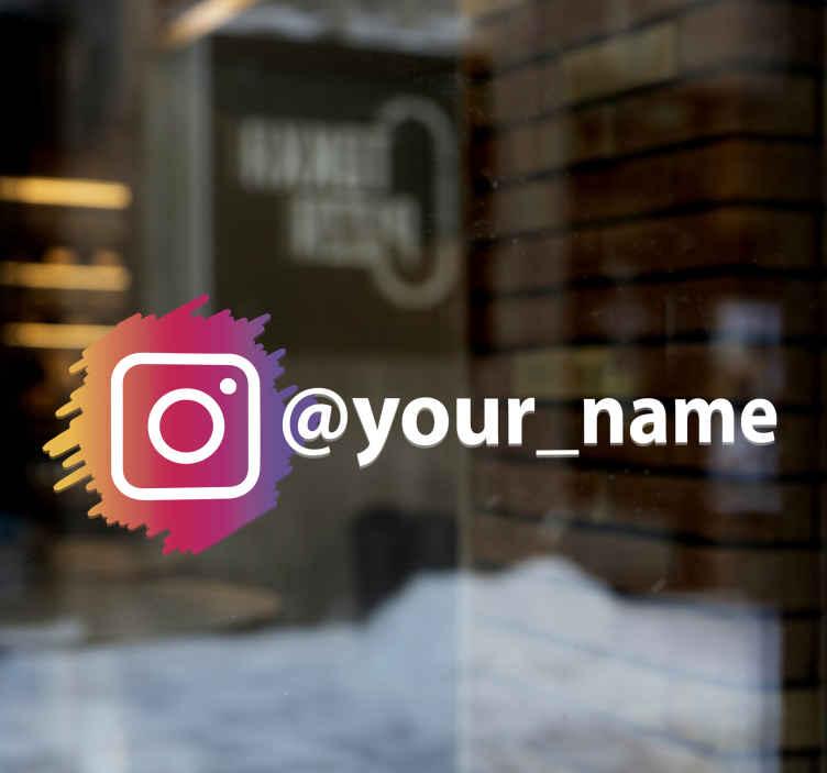 TenStickers. Aufkleber Schilder Instagram social media logo. Passen Sie Ihren firmennamen auf unserem instagram-logo-aufkleber an. Leiten sie Ihre kunden mit diesem instagram-logo auf ihre instagram-seite.