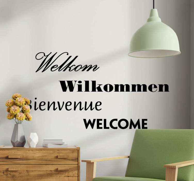 TenStickers. Tekst stickers Welkom in verschillende talen. Decoratieve welkomsttekst sticker gerepliceerd in verschillende talen. Geschikt tekstontwerp voor een gemeenschappelijke ruimte zoals een woonkamer.