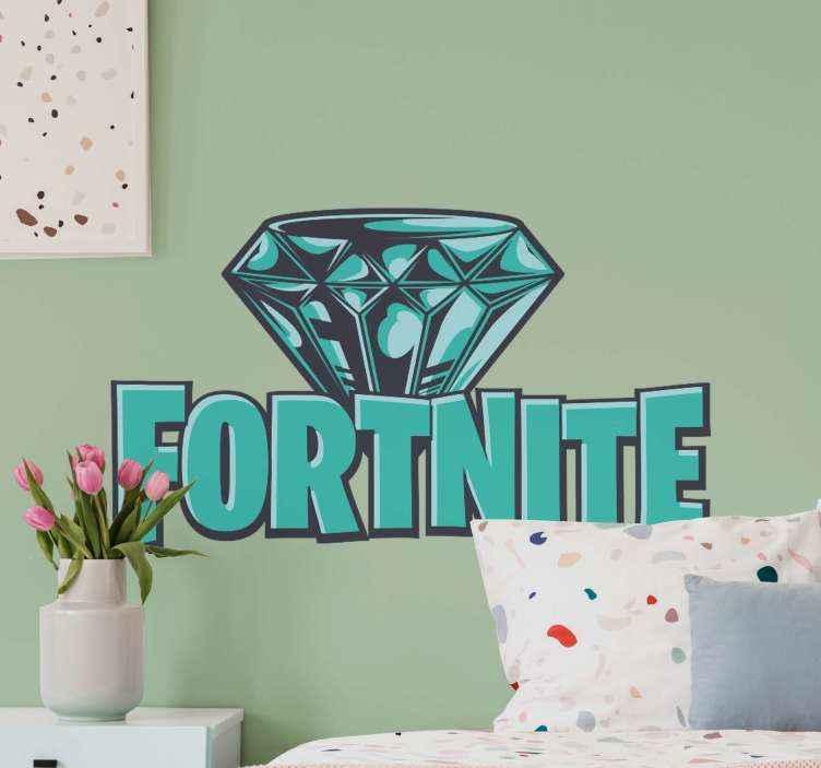 Tenstickers. Rhinestone fortnite logotyp videospel vägg klistermärke. Denna klistermärke med strass-fortnite-logotyp har logotypen för det älskade spelet med en strass. Den finns i en mängd olika storlekar.