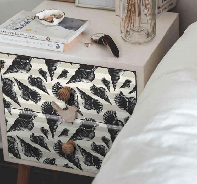 TENSTICKERS. 家具用の手描き貝殻ヴィンテージ家具デカール. 白地に多種多様な貝殻を描いた手描きの貝殻ヴィンテージ家具ステッカー。適用が簡単で長持ちします。