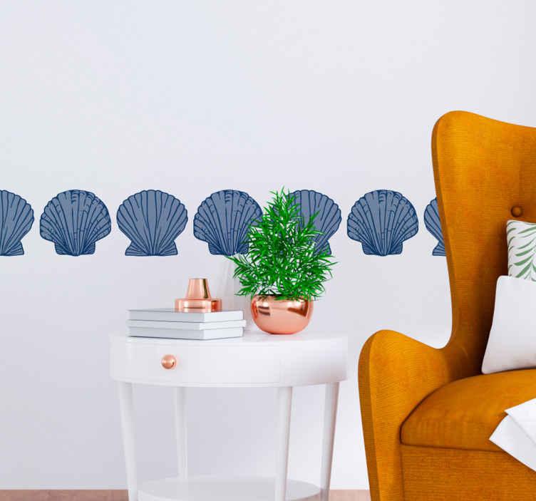 TenStickers. Wandstickers ornamenten Zeeschelp blauwe tinten grens. Sets decoratieve schelp stickers om de muur van uw huis te verfraaien. Het is origineel, duurzaam en supergemakkelijk aan te brengen.