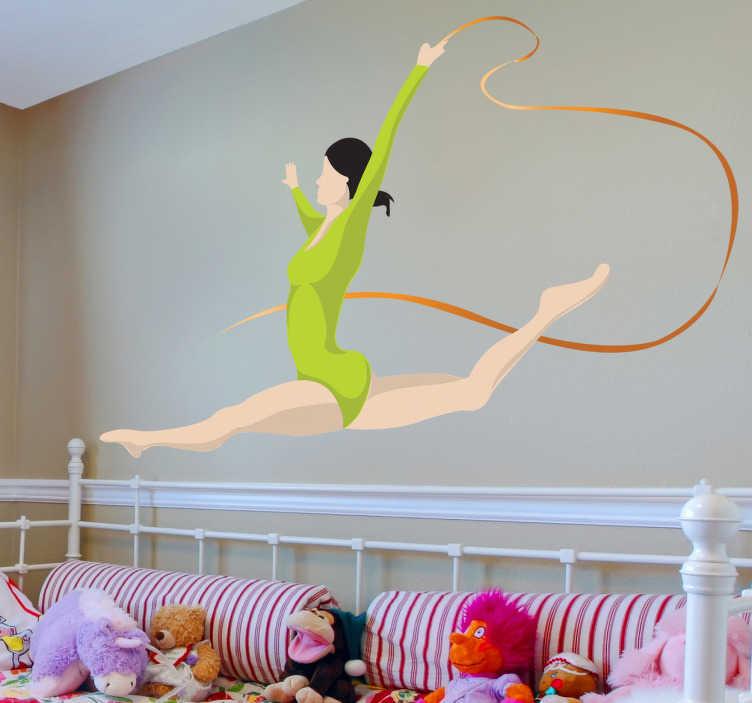 TenStickers. sticker turnster met touw. Muursticker van een gymnaste dat aan ritmische gymnastiek doen met een lint in haar handen. Leuk voor het decoreren van de woning van liefhebbers.