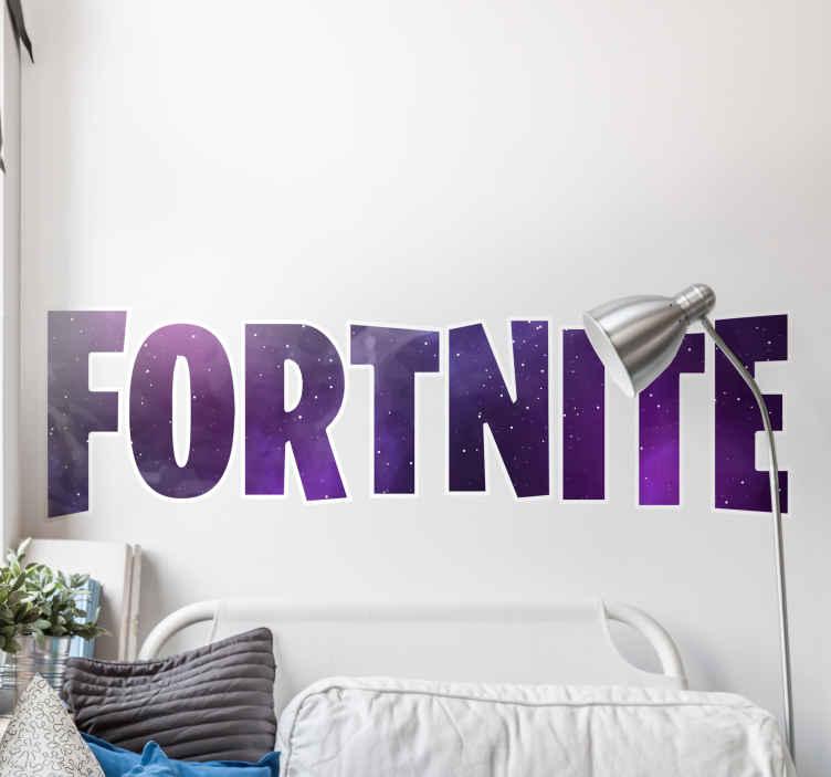 TenStickers. Wandaufkleber Videospiel Fortnite galaxie thema. Fortnite galaxy theme Videospiel Aufkleber . Ein einfacher und hübscher vierzehnter Textaufkleber, der geeignet ist, jeden teil eines Hauses zu dekorieren.