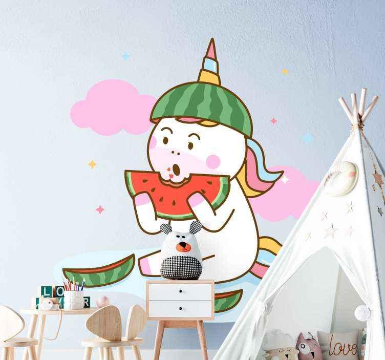 TenVinilo. Vinilo de unicornio comiendo sandia tonos pastel. Vinilo unicornio infantil comiendo sandía con nubes y estrellas. Es de fácil aplicación y de gran calidad ¡Descuentos disponibles!