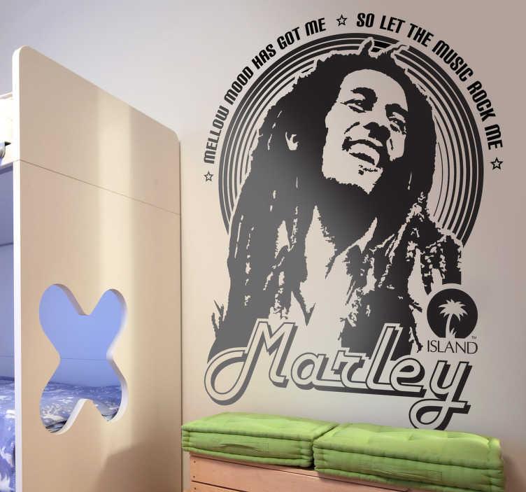 TenStickers. Nakleja na ścianę Bob Marley. Naklejka na ścianę przedstawiająca portret jamajskiego wokalisty Boba Marleya. Oryginalny pomysł na dekorację pokoju i stworzeniu w nim atmosfery reggae.