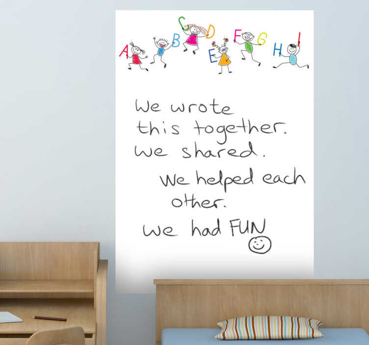 TenVinilo. Vinilo pizarra vileda dibujo alfabeto. Adhesivo infantil con niños sujetando letras preparado para poder pintar y borrar con rotuladores especiales sobre él.