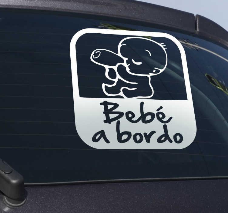 """TenVinilo. Vinilo advertencia bebé coche. Adhesivo decorativo para colocar en tu vehículo y avisar de que llevas un niño pequeño. Diseño elegante formado por un bebe muy pequeño que está cogiendo el biberón y comiendo mientras está acompañado de la frase """"Bebé a bordo""""."""