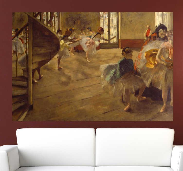TenStickers. Sticker decorativo ballerine Degas. Adesivo murale che riproduce uno dei celebri dipinti ad olio in tema balletto realizzati dall'impressionista francese Edgar Degas. Una decorazione ideale per gli appassionati di arte.