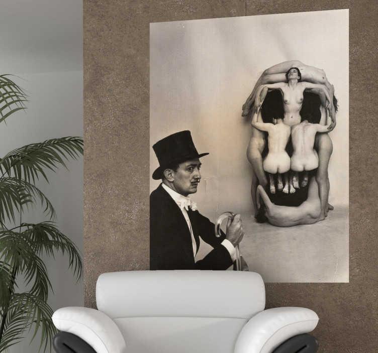 TenVinilo. Vinilo decorativo fotografía Dalí. Adhesivo de una performance del empordanenc más universal con una figura de personas simulando una calavera.