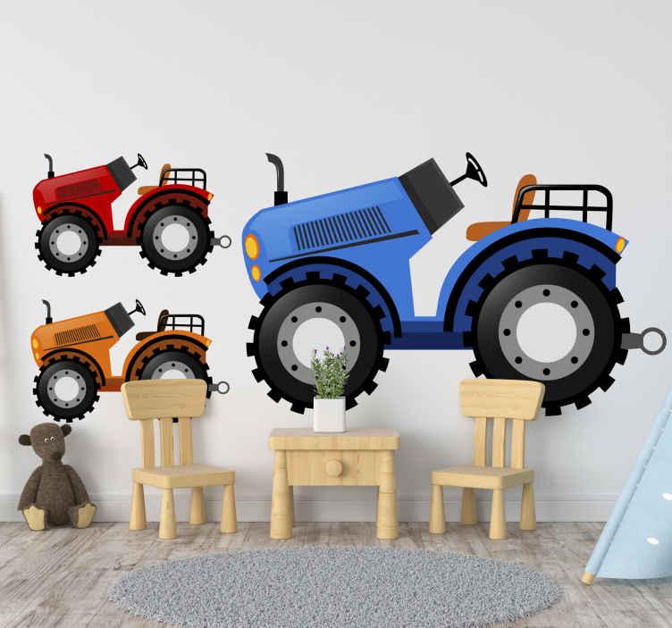 TenStickers. Spielzeug Aufkleber Bunte traktoren. Bunte traktoren spielzeugaufkleber. Ein Design mit einem großen blauen traktor und einem kleineren roten und orangefarbenen traktor. Einfach anzuwenden und abnehmbar.
