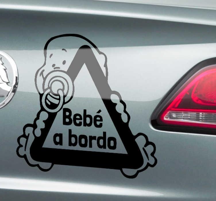 TenVinilo. Vinilo bebé en el coche. Adhesivo con el que indicarás al resto de conductores que en tu automóvil viaja un bebé. ¡Pon el nombre que quieras, es personalizable!