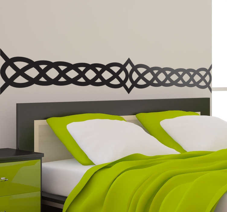TenStickers. Nalepka s celtičnimi posteljnimi stenami. Velika dekoracija za spalnico, ki ilustrira geometrijske risbe, ki vam dajejo v središče srednjeveško vzdušje.