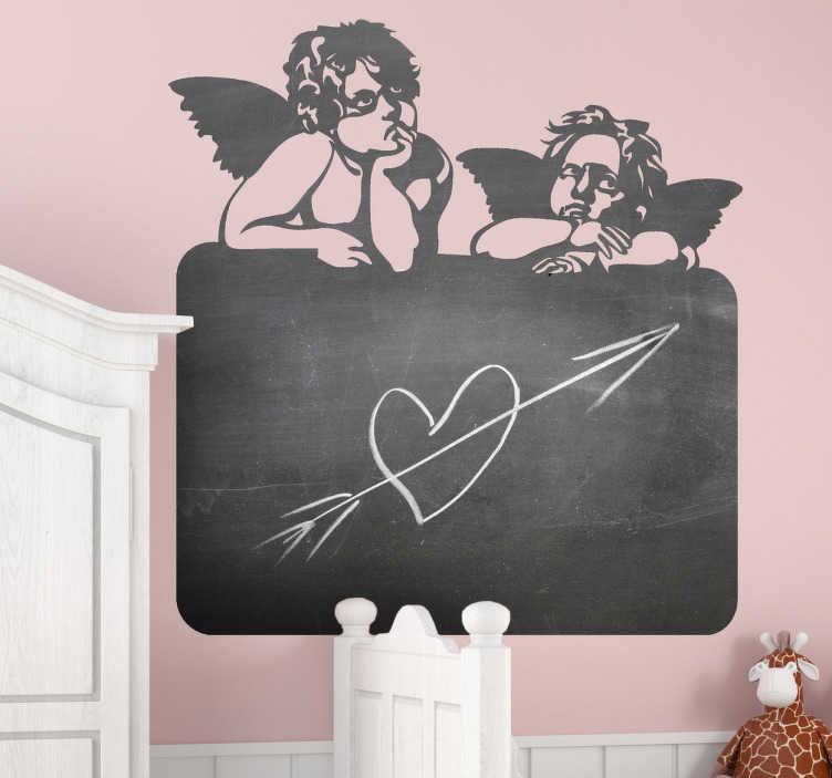 TenStickers. 작은 천사 칠판 스티커. 보드 위에 두 천사를 보여주는 멋진 칠판 데칼. 이 천사 벽 예술 스티커는 집에서 어린 아이들에게 완벽합니다.