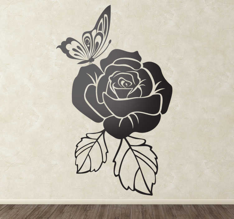 TenStickers. 蝴蝶玫瑰贴花. 优雅的花卉墙贴来装饰你的家庭或企业。可爱的单色花贴纸,为您的墙壁带来一些颜色和自然,可用各种颜色和大小。这个美丽的墙贴显示了一只玫瑰,蝴蝶坐在上面。
