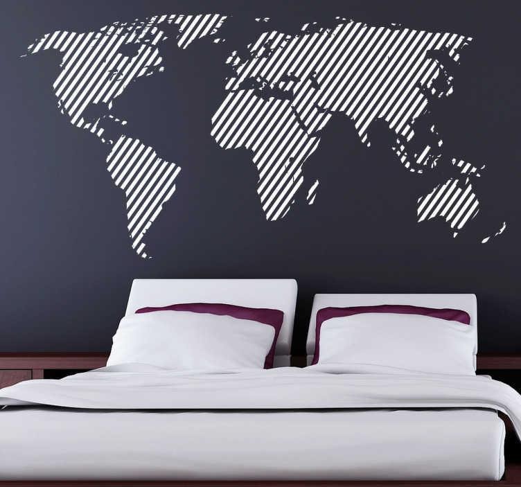 TenStickers. 대각선으로 늘어선 세계지도 데칼. 세계지도 벽 스티커 - 대각선 패턴으로 세계지도의 독특한 디자인. 최대 50 가지 색상과 다양한 크기로 제공되는 현대적인 데칼입니다.