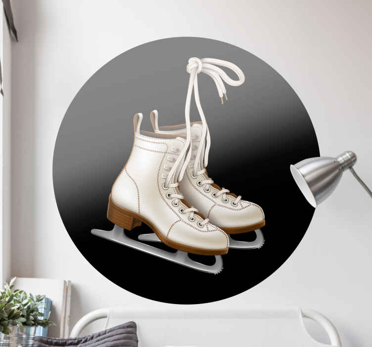 TENSTICKERS. 古典的なアイスホッケースケートウォールステッカー. 古典的なアイスホッケースケートのウォールステッカーは、寝室に楽しくアクティブなホッケースポーツの雰囲気を与えるのに最適です。塗布が簡単で、粘着性があります。