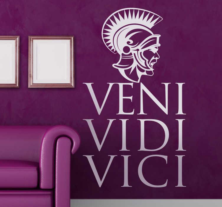 TenStickers. Vinil decorativo veni vidi vici. Vinil decorativo da famosa frase pronunciado por Julio César. Se gostas da história de Roma antiga este adesivo de parede é para ti.