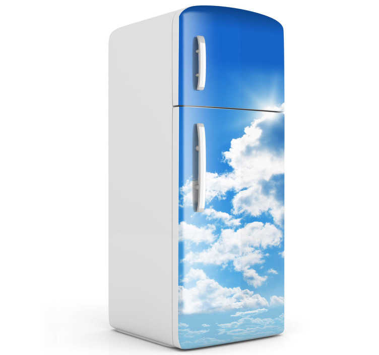 TenStickers. Autocolante decorativo nuvens frígorifico. Autocolante decorativo com a imagem de um céu azul e algumas nuvens.  Vinil personalizável para decoração da cozinha.