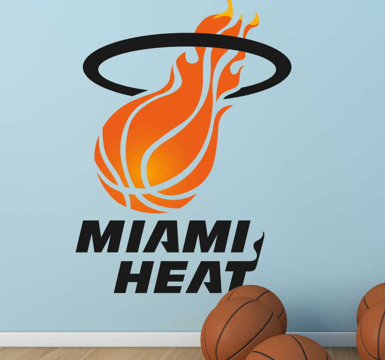 TenStickers. Muursticker Miami Heat. Een decoratieve muursticker van de Miami Heat basketbalclub! Als je een grote fan van de NBA en uw favoriete team is Miami Heat